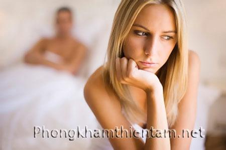 Bị viêm lộ tuyến cổ tử cung có được quan hệ không?
